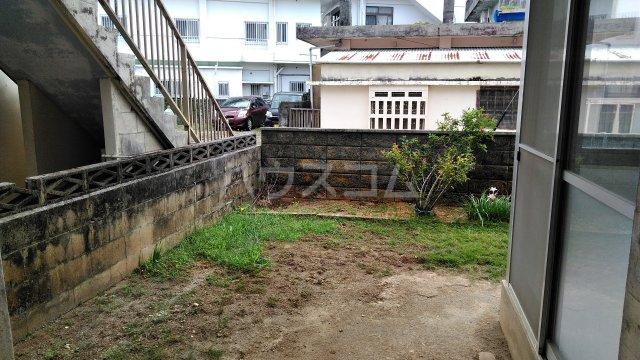 真玉橋貸家の庭