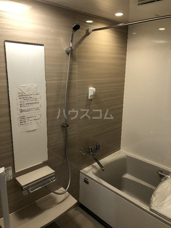 コートヴィレッジ久米 201号室の風呂