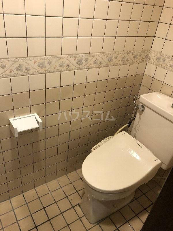コートヴィレッジ久米 201号室のトイレ