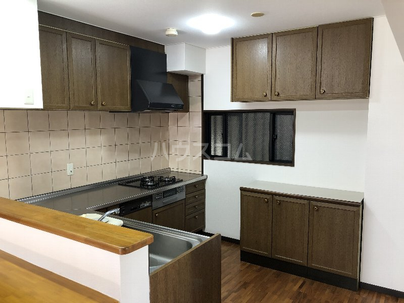 コートヴィレッジ久米 201号室のキッチン
