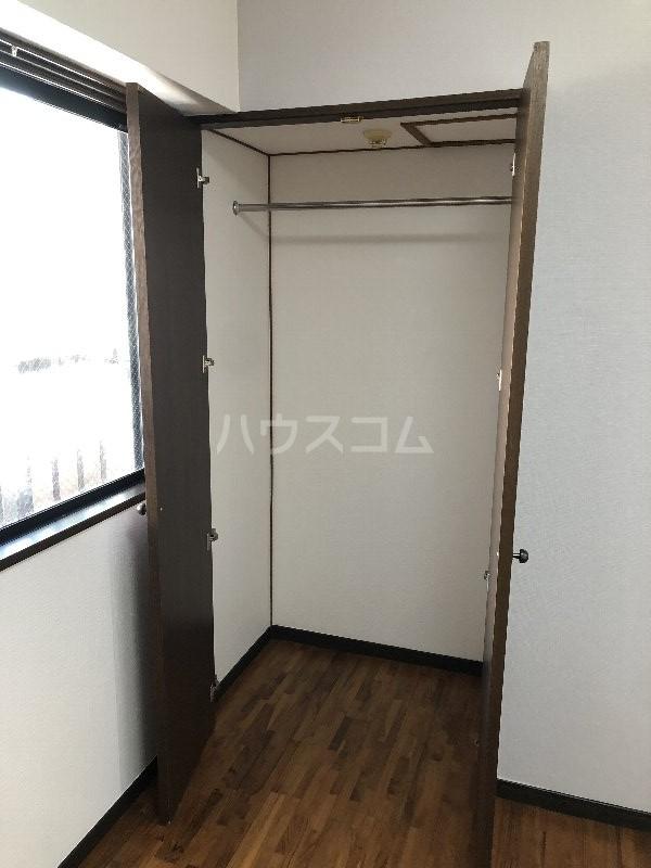 コートヴィレッジ久米 201号室の収納