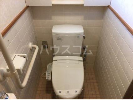 ライオンズマンション新都心 206号室のトイレ