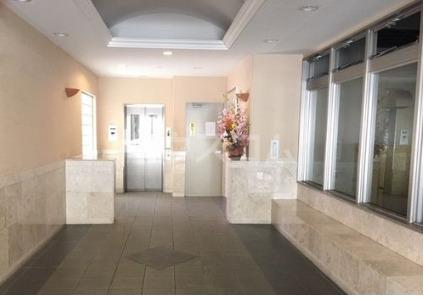 ライオンズマンション新都心 206号室のロビー