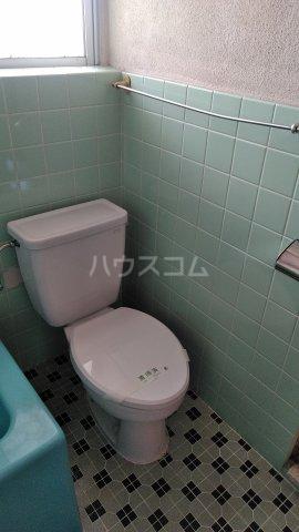 丸平アパート 302号室のトイレ