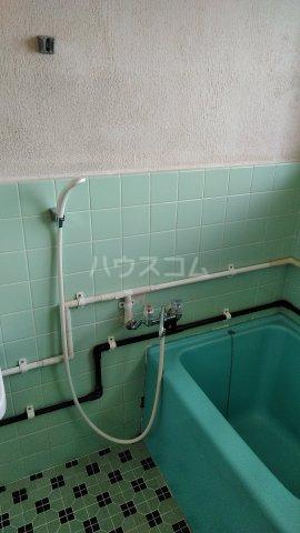 丸平アパート 302号室の風呂