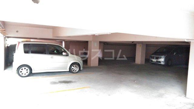 コーポ嘉数 306号室の駐車場