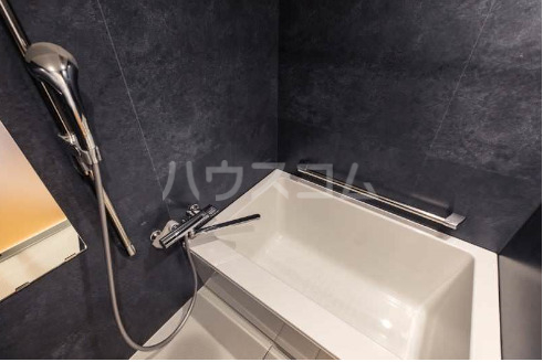La mer 久茂地 701号室の風呂