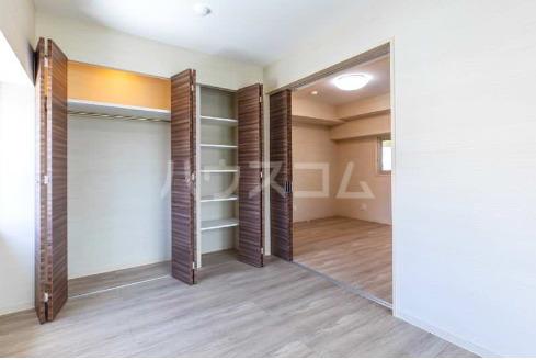La mer 久茂地 701号室の収納