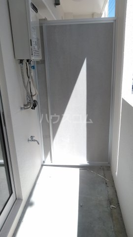 WAKASA OASIS(ワカサオアシス) 401号室のバルコニー