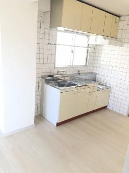 パールハイツ 4F号室のキッチン