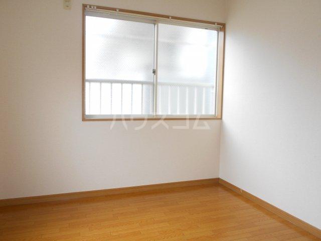 メゾン一刻 302号室の居室