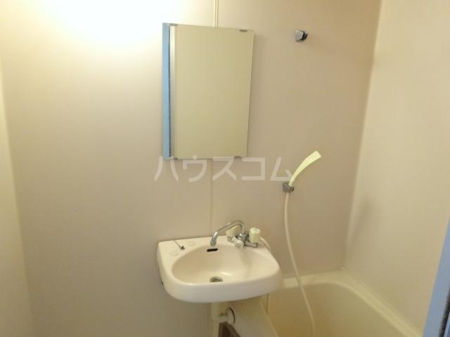 コーポ市瀬NO3 202号室の洗面所