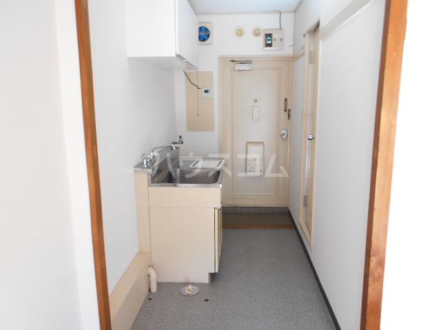 サンテラス 203号室の玄関