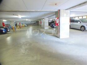 加司馬マンション 205号室の駐車場