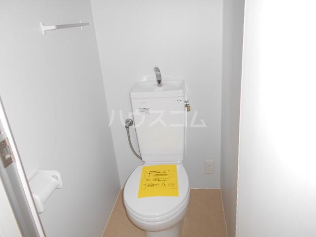グリーンユースコーポ 302号室のトイレ