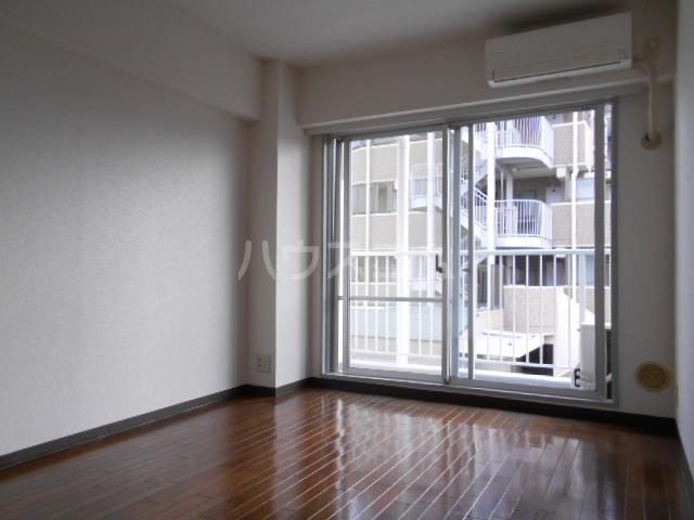 ベルテ桜 306号室のリビング