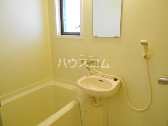 松村ハイツ 201号室の洗面所