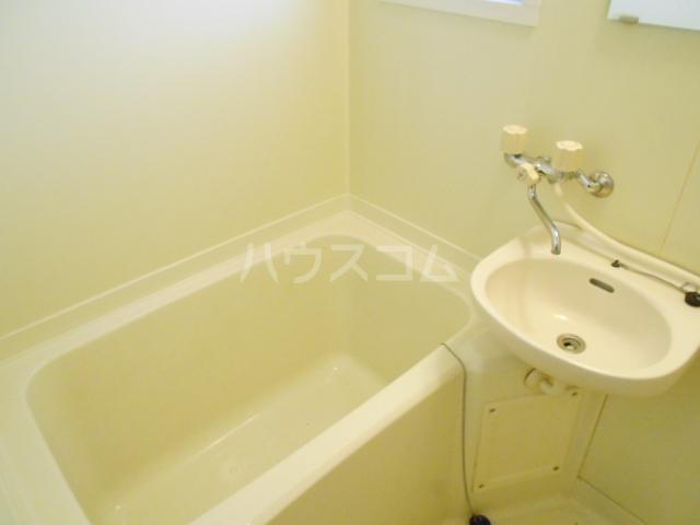 松村ハイツ 201号室の風呂