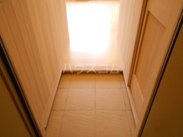 プリマ府中清水ヶ丘 204号室の玄関