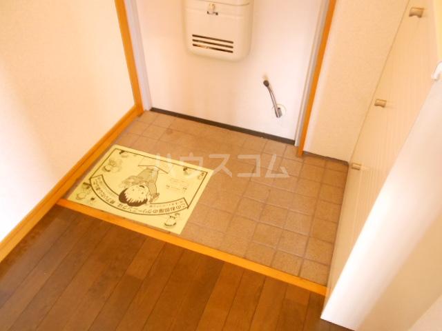 川口コーポ 301号室の玄関