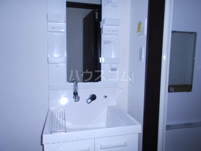 メモリエ府中 104号室の洗面所