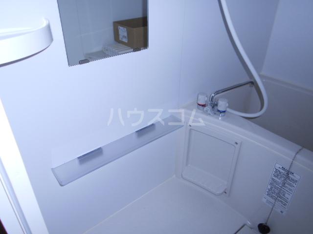 メモリエ府中 104号室の風呂