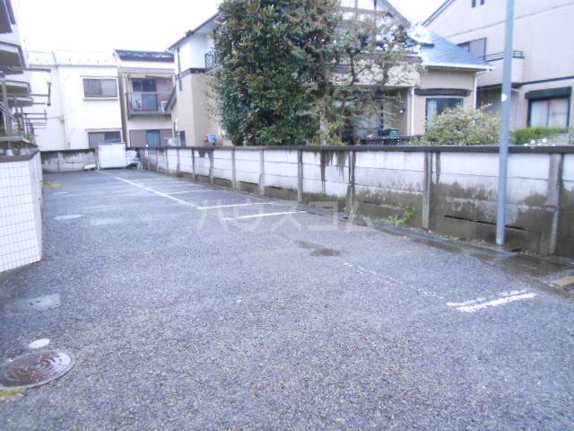 レジデンス田中第二の駐車場