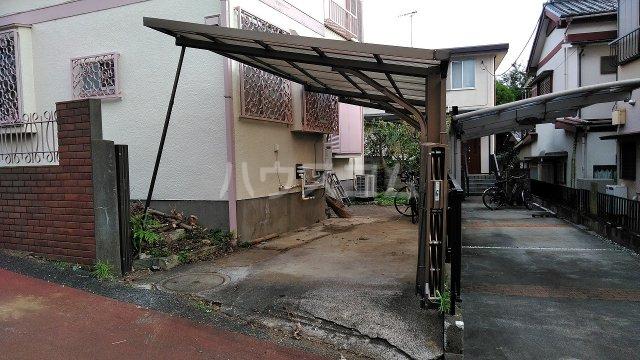 大槻貸家の駐車場