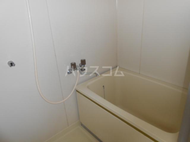 稲荷山ハイツ 1-G号室の風呂