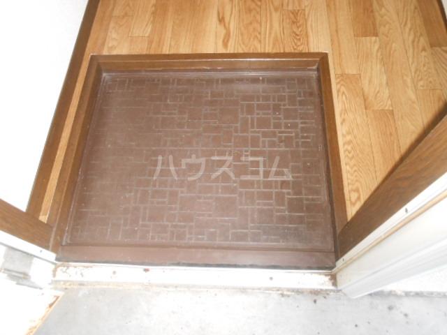 稲荷山ハイツ 1-G号室の玄関