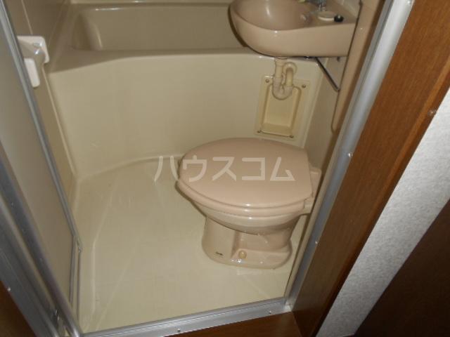 第5野本ビル 201号室のトイレ