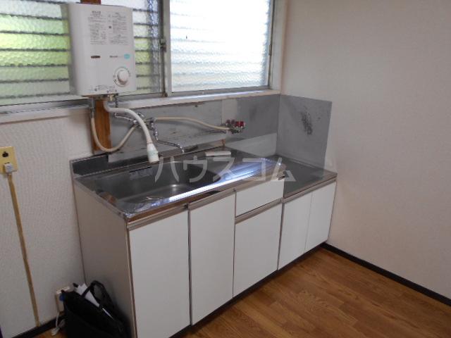 岸アパート 102号室のキッチン