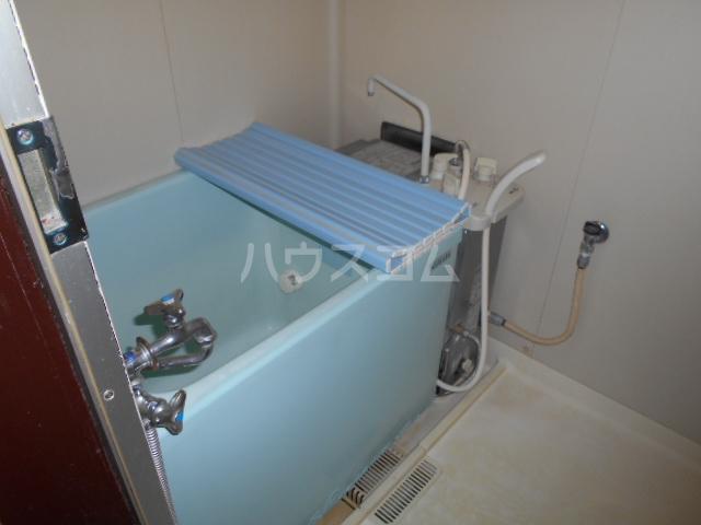 岸アパート 102号室の風呂