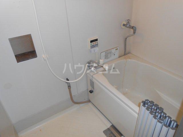 カネヨシハイツ 2-F号室の風呂