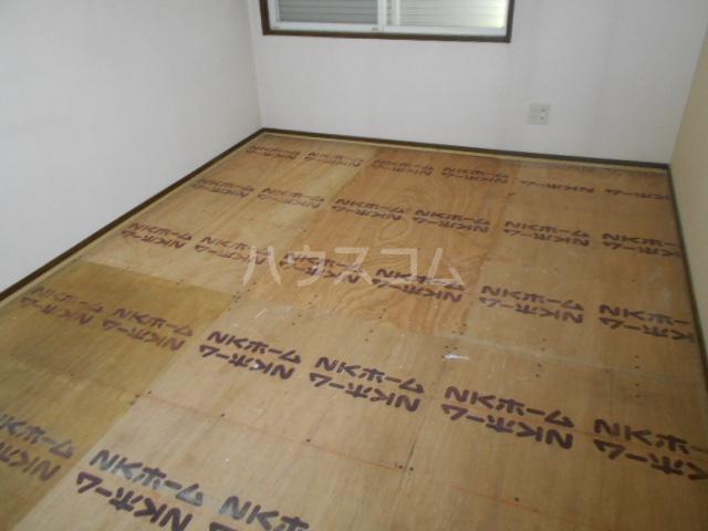 スカイヴェルデ 101号室の居室
