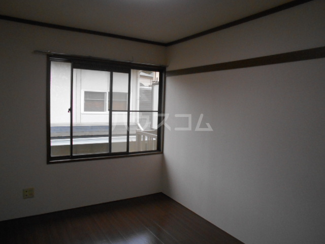 弥生ハイツ 201号室の居室