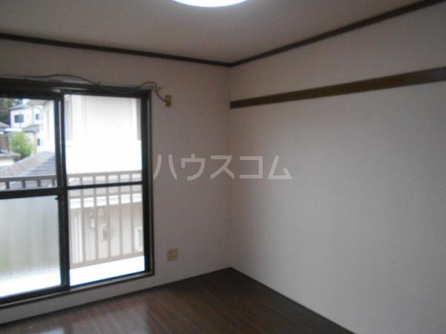 弥生ハイツ 201号室のベッドルーム