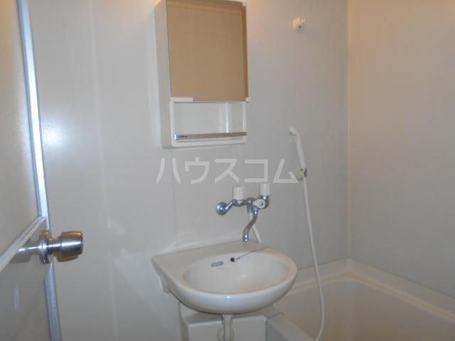 NKビル 312号室の洗面所