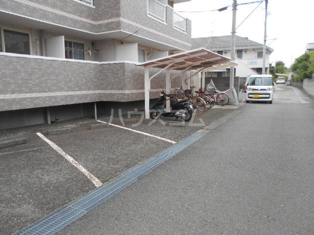 NKビル 312号室の駐車場