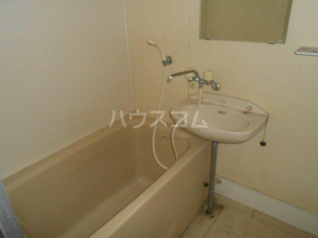 ベルハウス戸塚 102号室の風呂