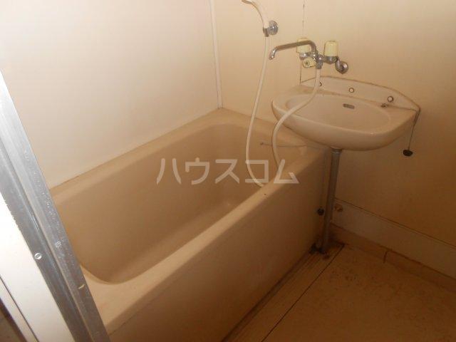 ベルハウス戸塚 102号室の洗面所