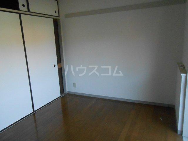 ベルハウス戸塚 102号室の居室
