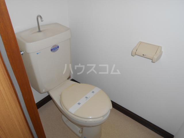第二幸和ハイツ 101号室のトイレ