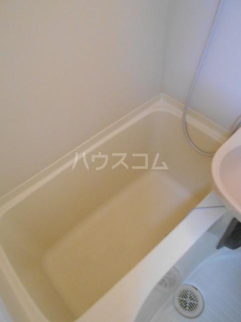 グリーンハイム片岡 206号室の風呂