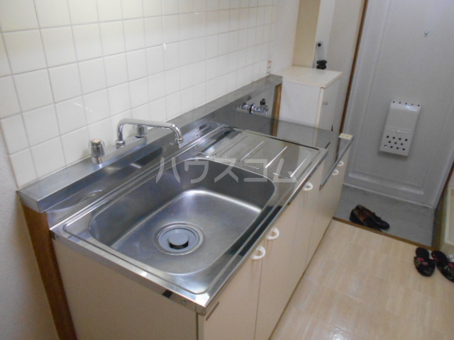 グリーンハイム片岡 206号室のキッチン