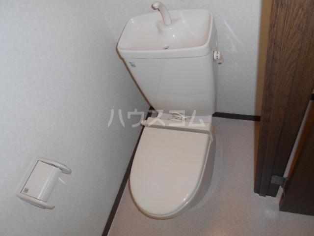 プチハウス 1-A号室のトイレ