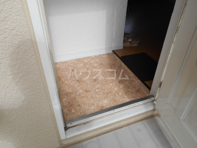 ミユキハイツ 202号室の玄関