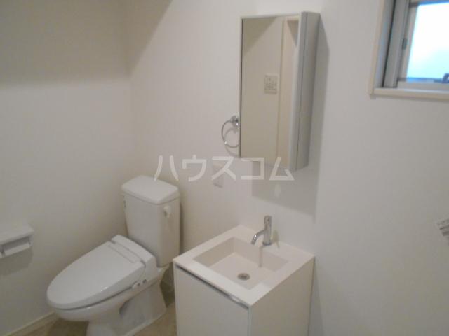 レバンテ白百合 103号室の洗面所