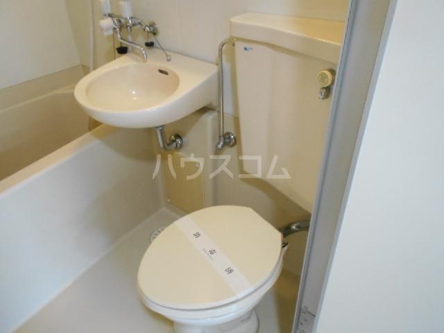 プリオル実方 202号室の風呂