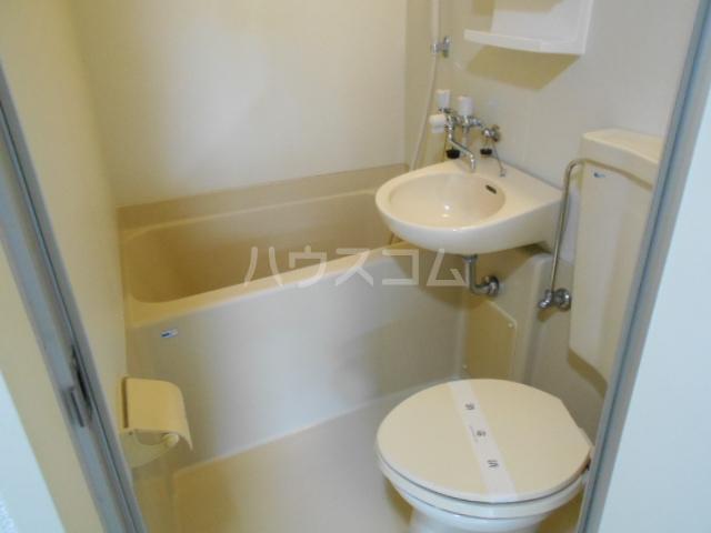 プリオル実方 202号室のトイレ